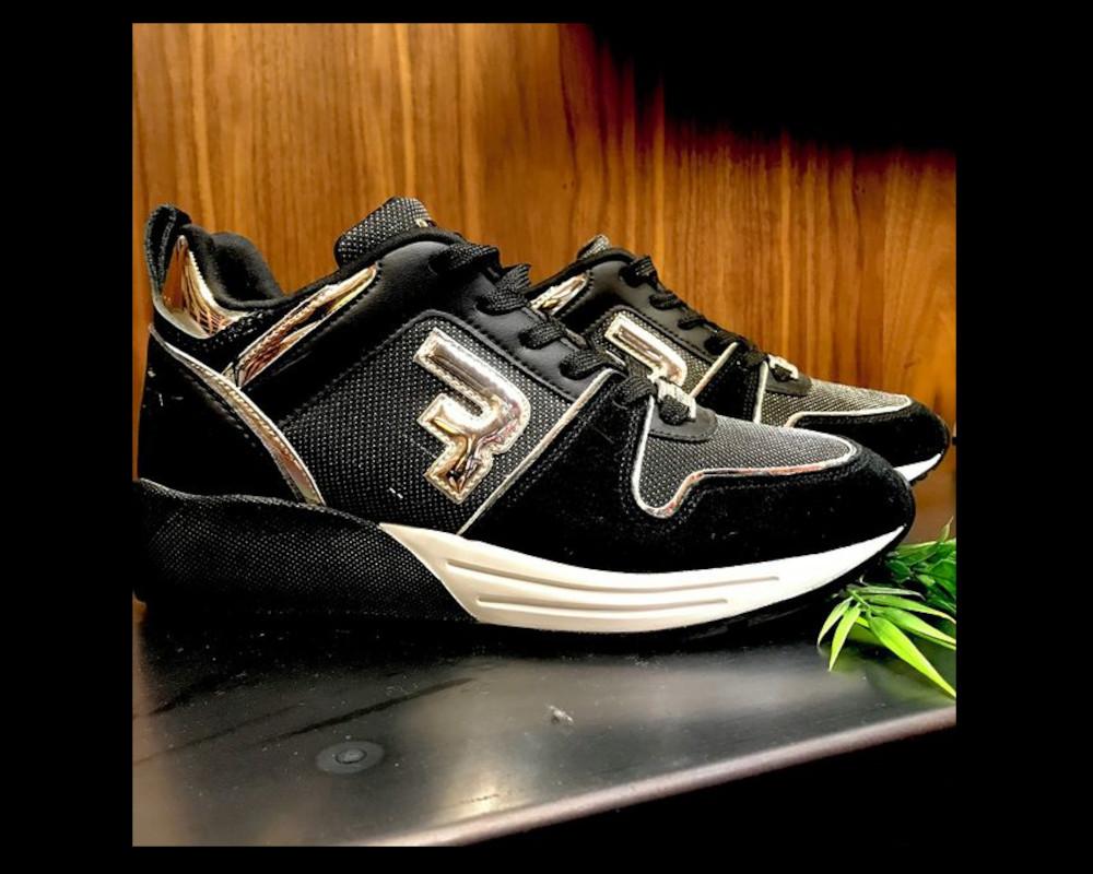 Woman Sneakers