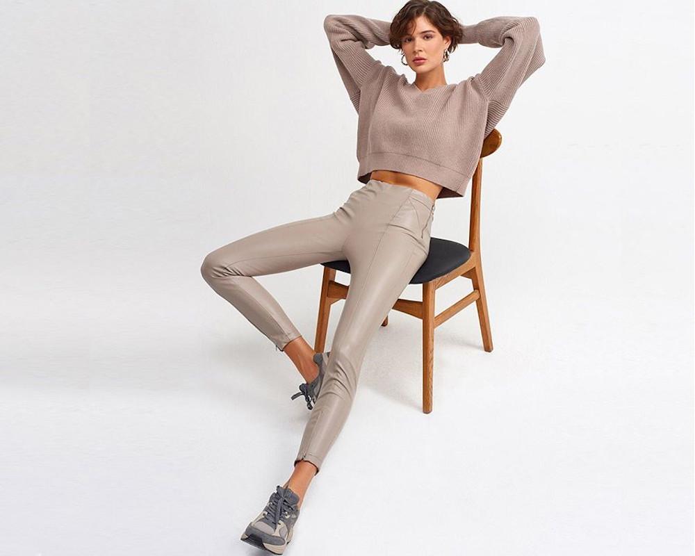 Γυναικεία υφασμάτινα παντελόνια